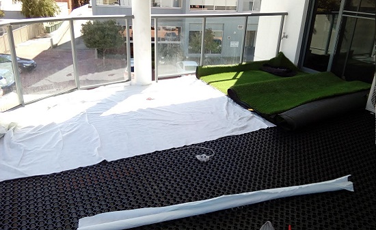 Artificial Lawn on Balconies - Green Planet Grass